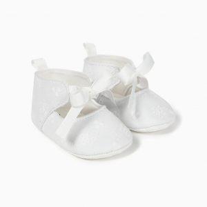 Zapatos con lazo bordado inglés blancos