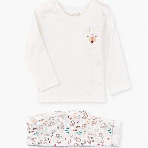 Conjunto de camiseta y pantalón montaña